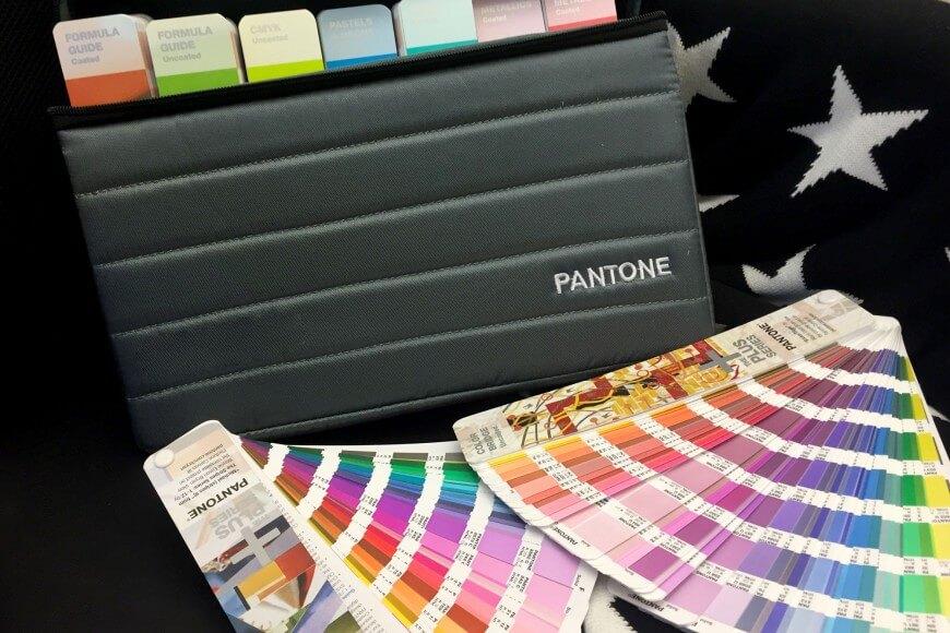 Uudet Pantone-värikartat saapuivat